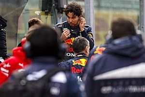 """Perez """"very sorry"""" to Red Bull after Imola F1 woes"""