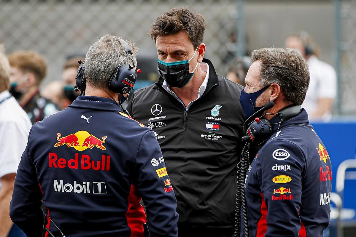"""Wolff rekent Red Bull tot favorieten: """"Hadden eind 2020 de snelste auto"""""""