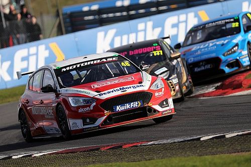 Non-elite UK racing cancelled, BTCC & British GT finales go ahead