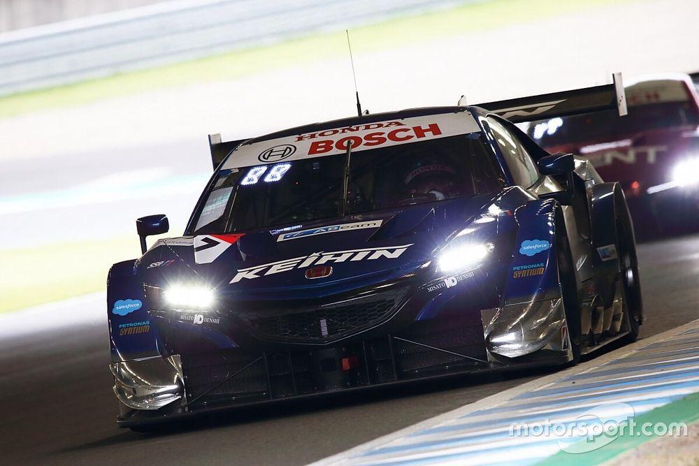 SGT第4戦もてぎ GT500決勝|塚越涙のトップチェッカー、17号車が今季2勝目