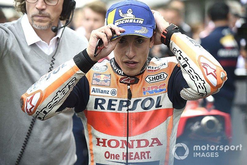 Márquez admite que estava dormindo enquanto esperava início da corrida na República Tcheca