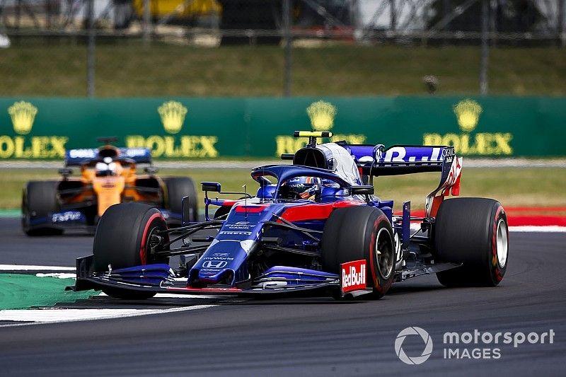 Un problema de alto voltaje de Honda dejó a Albon sin puntos