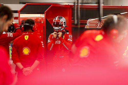 SZENZÁCIÓ: Leclerc-és Ferrari-POLE Szingapúrban Hamilton előtt