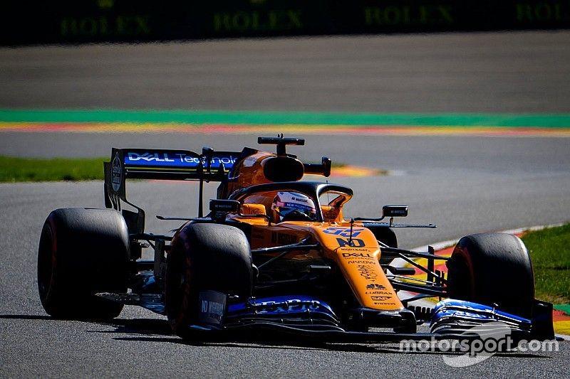 Sainz y los Renault vuelven al motor antiguo en Spa