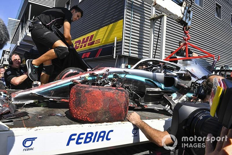 Ferrari z przodu, kraksa Hamiltona