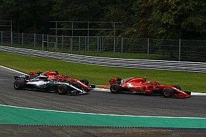 Marko: Vettel nemcsak a Mercedes, hanem saját csapattársa ellen is versenyez