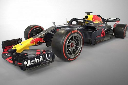 Red Bull-reserve Albon test in Barcelona nieuwe Pirelli-banden