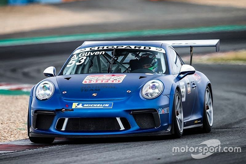 Porsche Carrera Cup Fransa: Magny-Cours'ta ilk yarış Andlauer'in, Ayhancan 3.