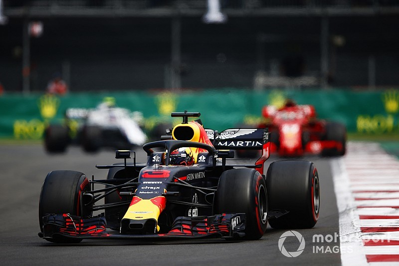 """Helpless"" Ricciardo keen to hand over ""cursed"" car to Gasly"