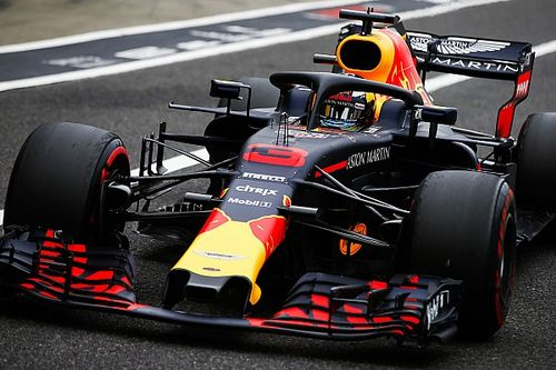 """Ricciardo snapt ontevreden Verstappen: """"Hij reed met minder vleugel"""""""