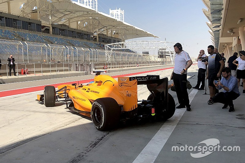 Alonso 17 uur na afscheid alweer terug in F1-bolide