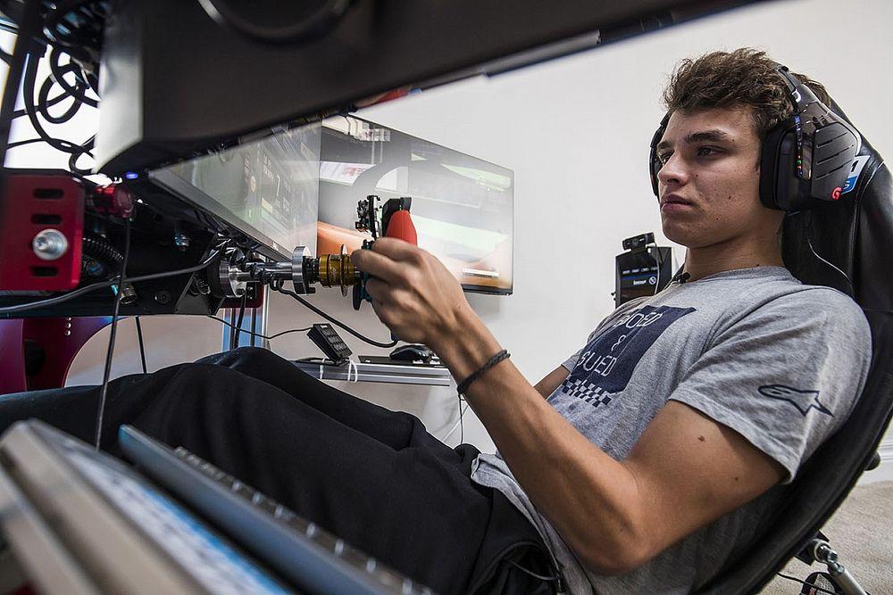"""Norris: """"Los eSports me pueden ayudar a ser mejor en F1"""""""