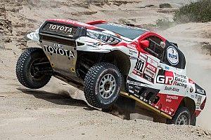 Аль-Аттия выиграл четвертый этап «Дакара», Карякин захватил лидерство в классе мотовездеходов