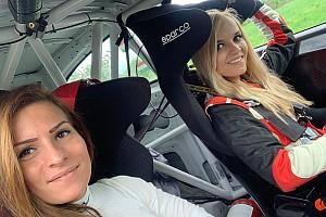 A promóter is autóba ül a Kia Platinum Rally Cup második hétvégéjén