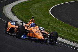 """Alonso gelaten: """"We verdienen het niet als het zondag niet lukt"""""""
