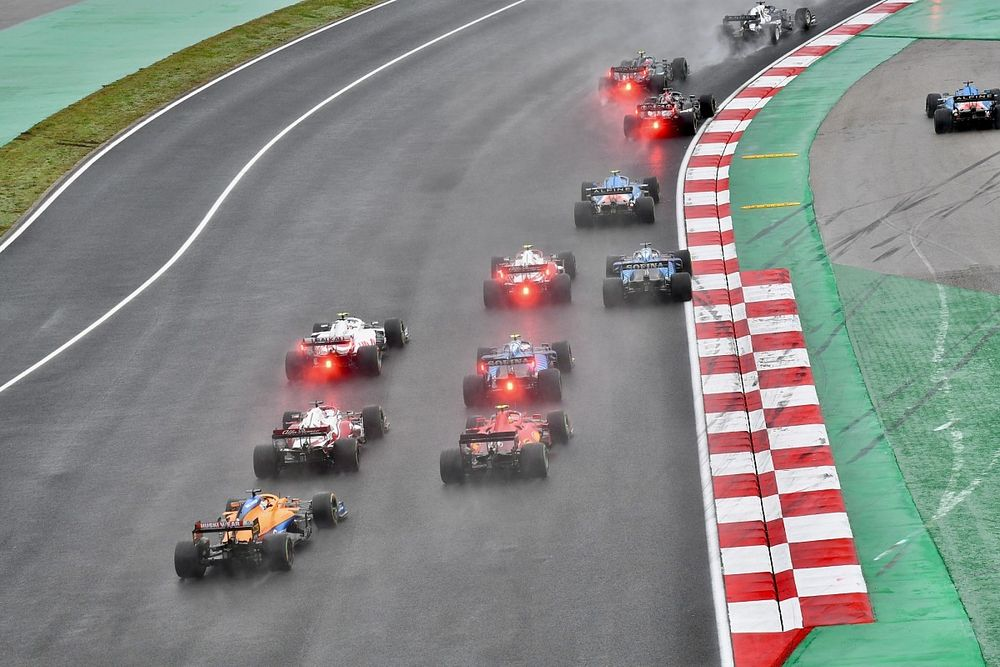 F1, 2022'de altı yarışta sprint sıralama yarışı formatını kullanmaya hazırlanıyor