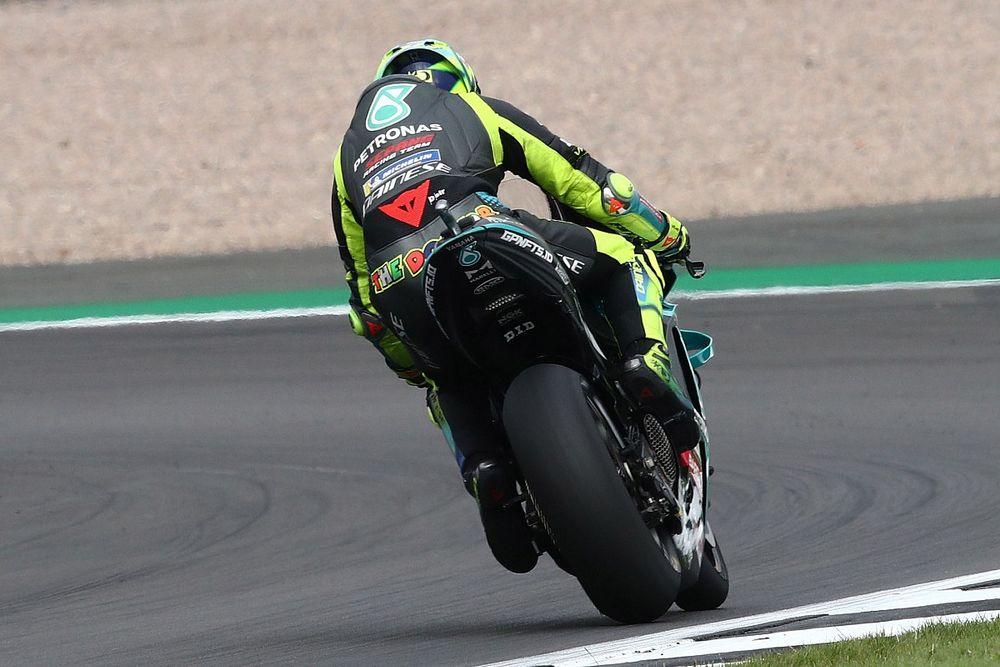 Rossi considera que los neumáticos dañaron su desempeño en Silverstone