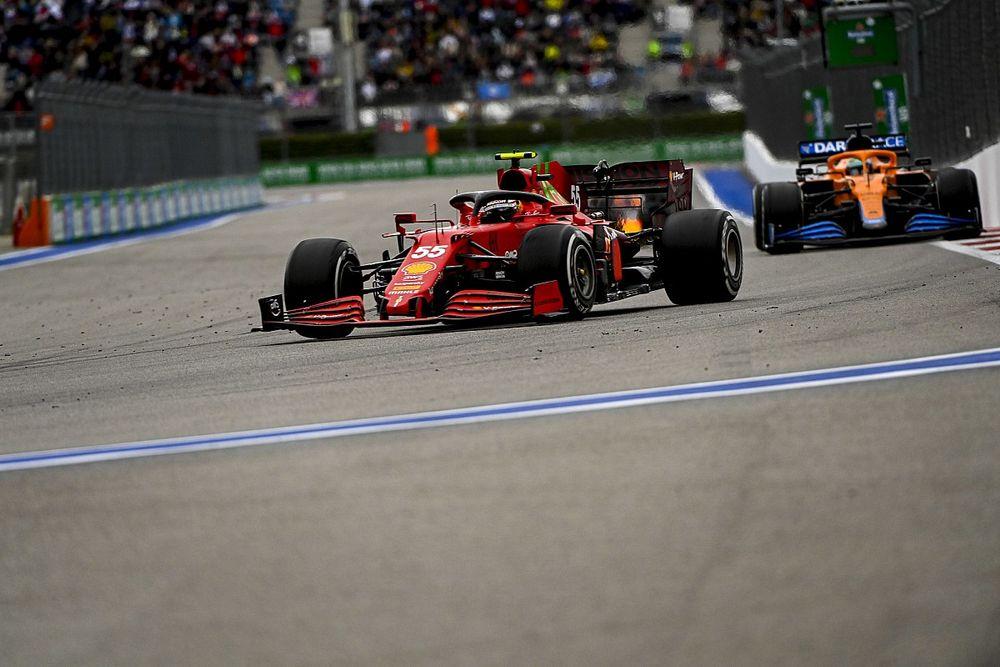Sainz: Jó jel, hogy a Ferrari tud élni a lehetőségekkel idén