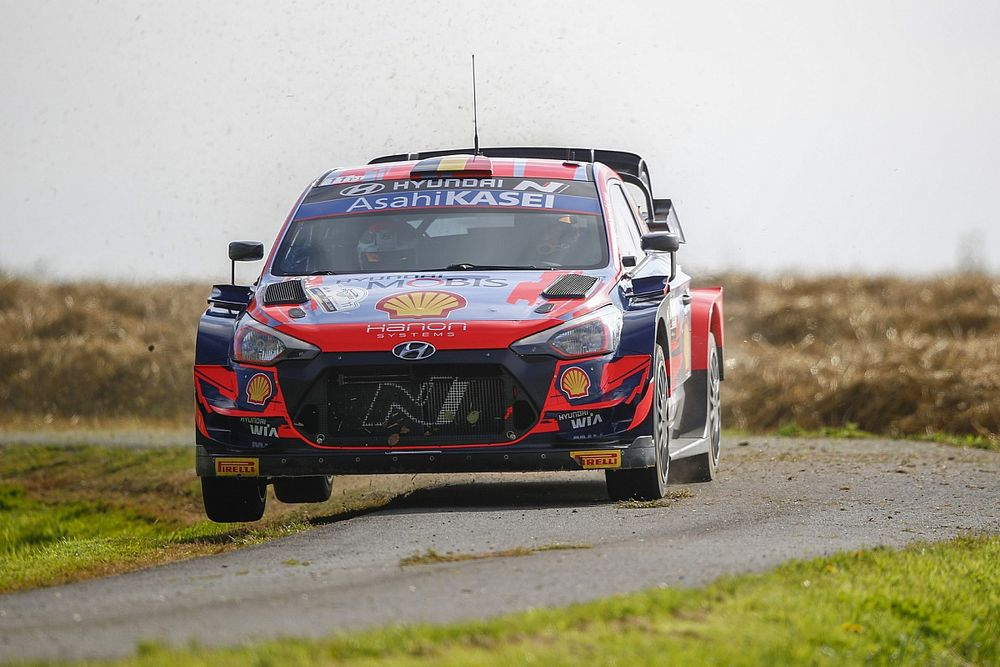Belgium WRC: Neuville in control as Toyotas fight over third