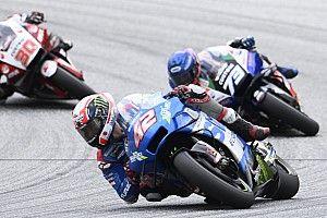 Rins admite que fue un error cambiar rápido de moto ante la lluvia