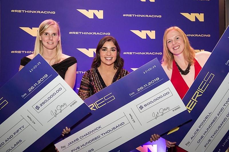 Гонщицы W Series получили денежные награды за первый сезон