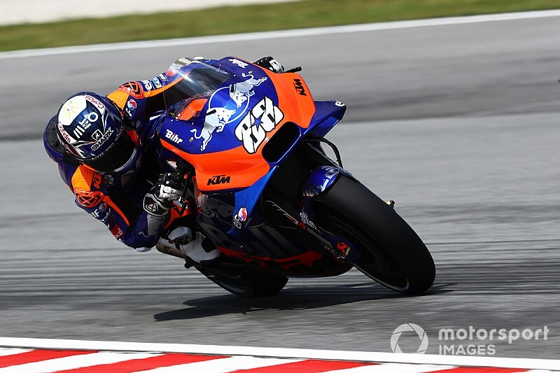 Oliveira faces surgery dilemma after pulling out of Sepang