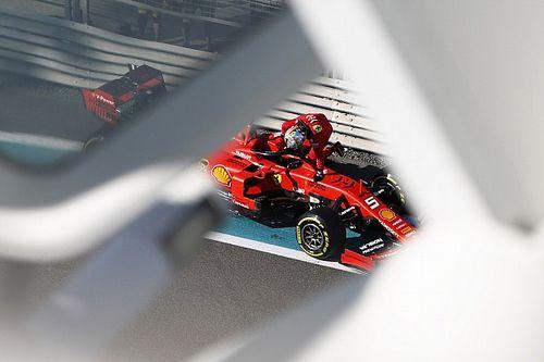 """Vettel: """"Lastikler son sektörde aşırı ısınıyor"""""""