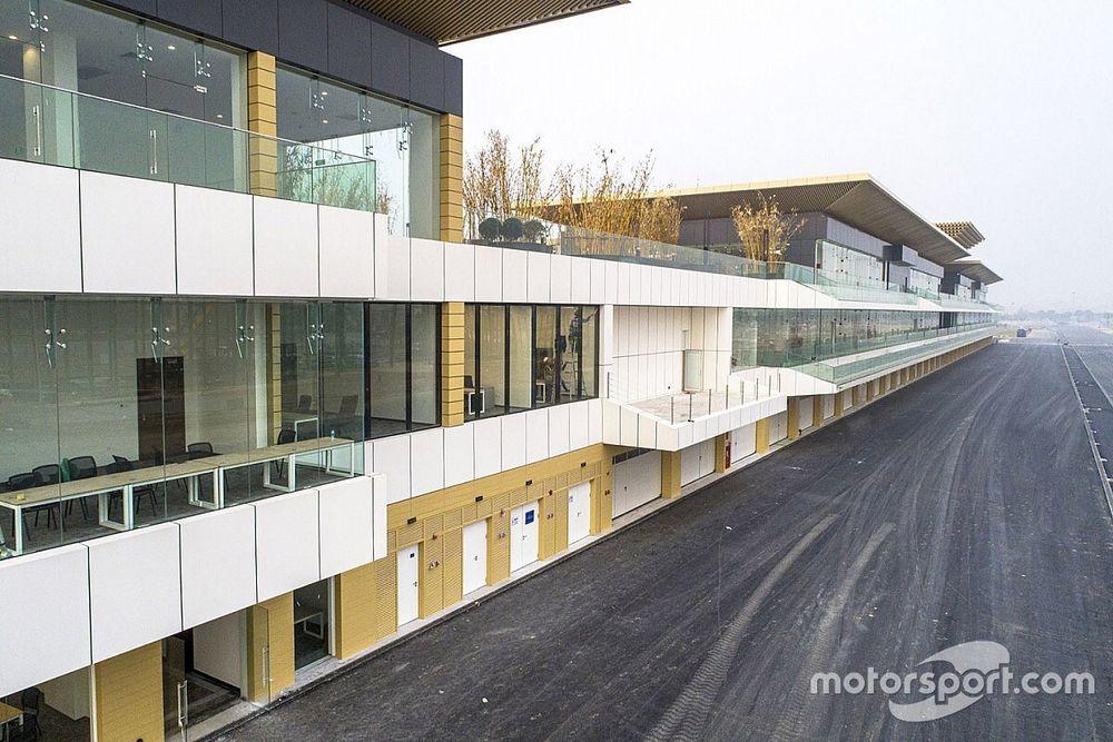 Novo circuito do Vietnã revela primeiras imagens de prédio do paddock