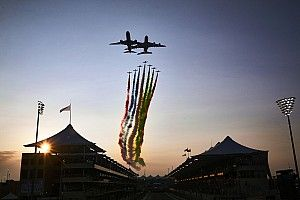 Fotogallery F1: Verstappen sconfigge le Mercedes ad Abu Dhabi