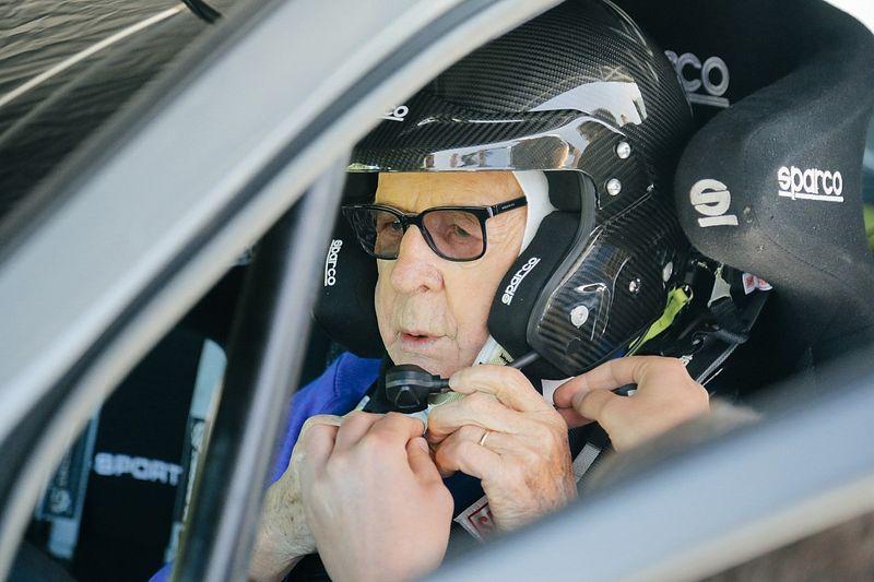 El 'abuelo' de récord que pilotará en el Rally de Kenia del WRC