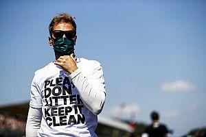 Vettel Perbaiki Suasana Hati dengan Bersihkan Sampah di Silverstone