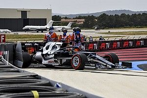 VIDEO: Schumacher en Tsunoda eindigen F1-kwalificatie in de muur