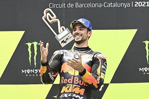 Oliveira gana sorpresivamente la carrera de MotoGP en Barcelona