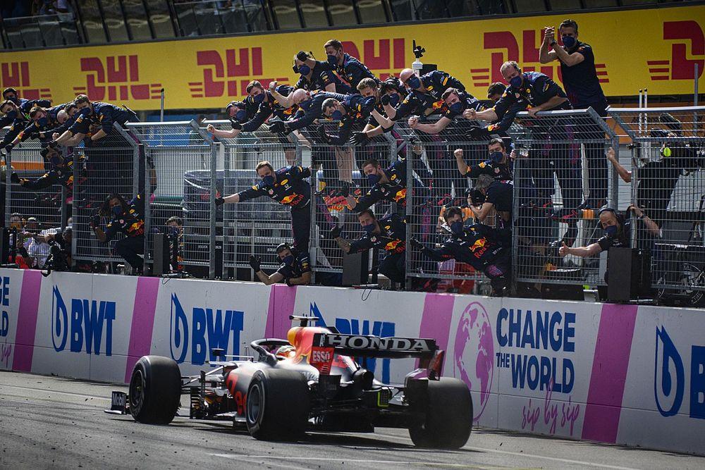Hill szerint a Red Bull elrejti a valódi potenciálját