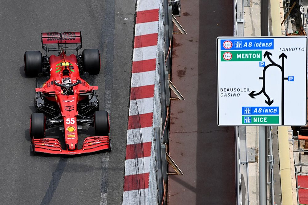 "Sainz: Monaco GP podium ""doesn't taste as good as it should"""