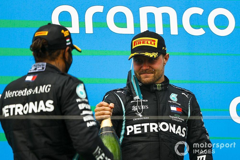 Hill Bottas helyett egy másik pilótát nézne meg Hamilton mellett