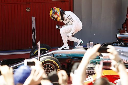 """Hamilton: """"Il duello con Vettel? Duro, ma le gare devono essere così"""""""