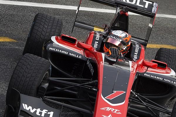 GP3 Aitken bovenaan regenachtige GP3-testdag, Schothorst vijfde
