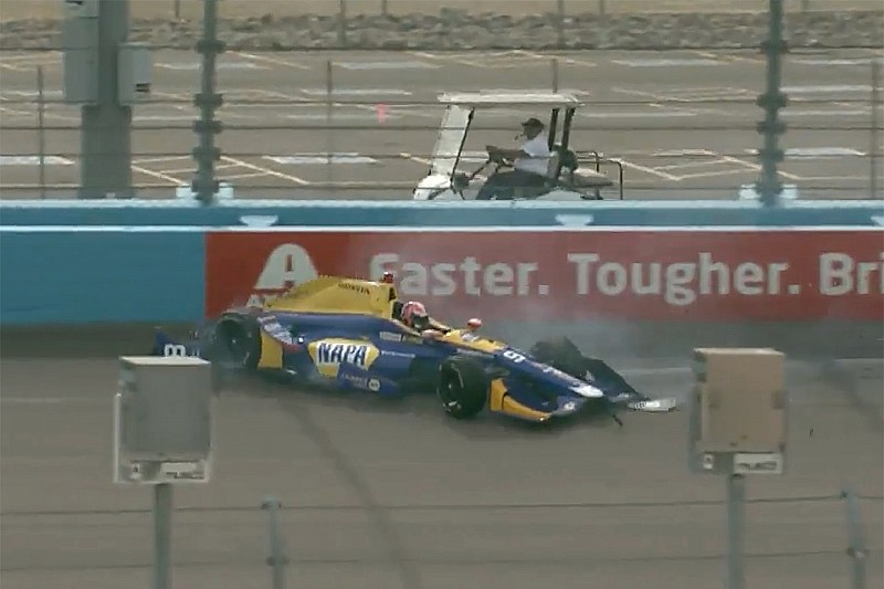 Rossi crashes in Phoenix