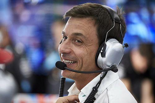 """Wolff, Monza'da Ferrari ile bir """"it dalaşı"""" daha yaşayacaklarını düşünüyor"""