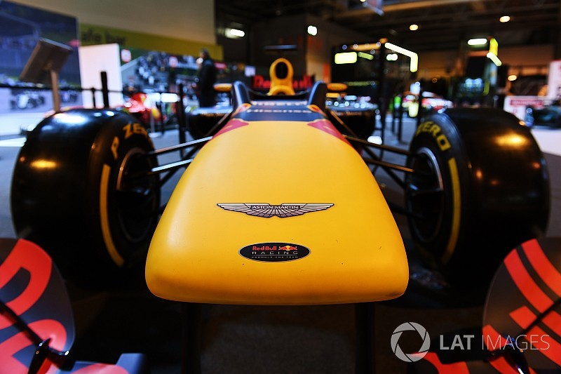 Aston Martin resmi jadi sponsor utama Red Bull 2018
