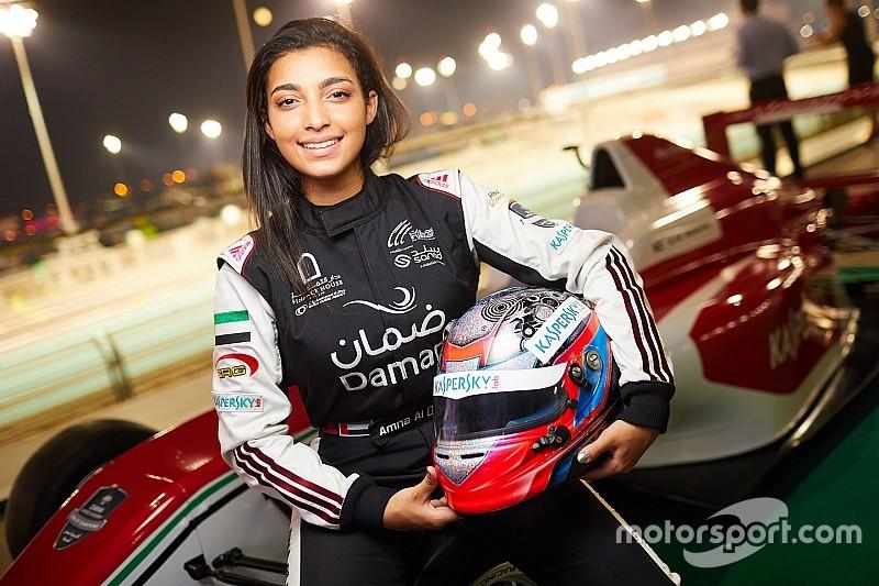 آمنة القبيسي أوّل فتاة عربية إماراتية تشارك في سباقات الفورمولا 4 في أوروبا