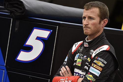 Will crew chief change help send Kasey Kahne off on a high note?