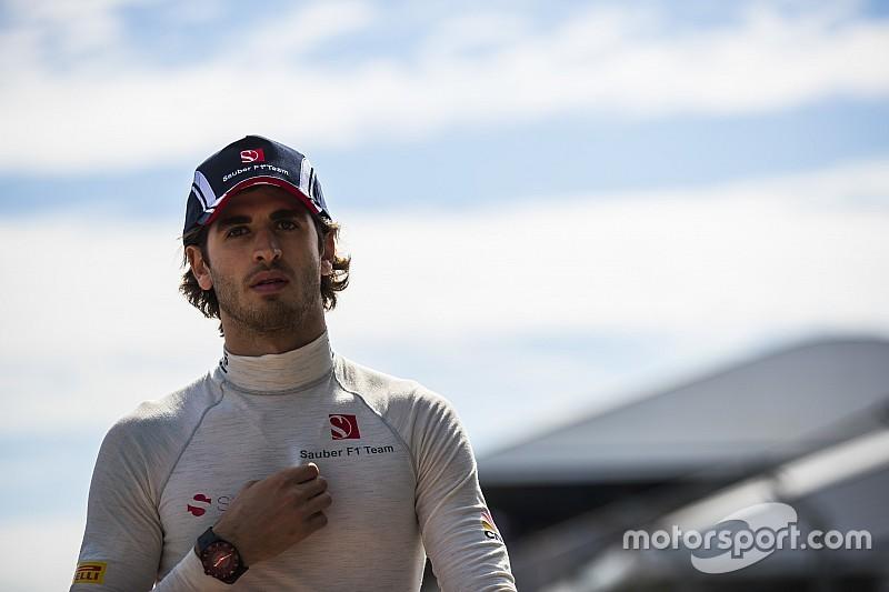 "Sauber se diz ""muito surpresa"" por estreia de Giovinazzi"
