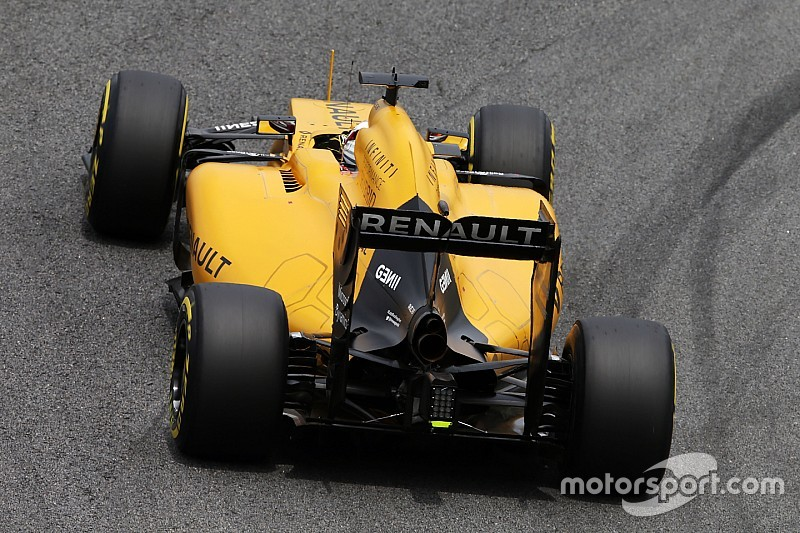 renault expects cautious start with all new 2017 f1 engine. Black Bedroom Furniture Sets. Home Design Ideas