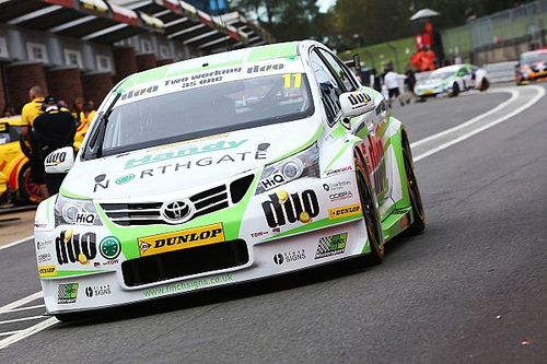 Brands Hatch BTCC: Austin wins final race, Sutton third