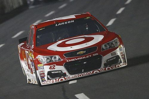 "Larson comes up short: ""I hate that I keep letting my team down"""