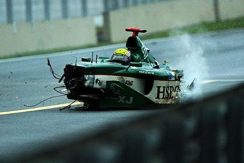 VIDEO: cuando Webber y Alonso destrozaron sus autos en Interlagos