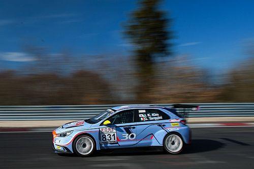 Target e Hyundai assieme con due i30 per la 24h del Nürburgring, c'è anche Larini