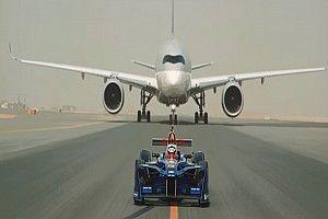 VIDEO: Fórmula E celebra la asociación con Qatar Airways con una carrera